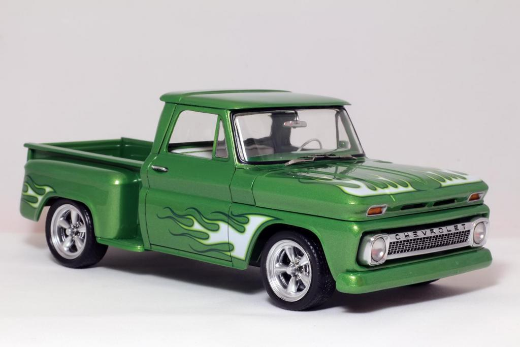 Custom Chevy Stepside 1965 (Revell)
