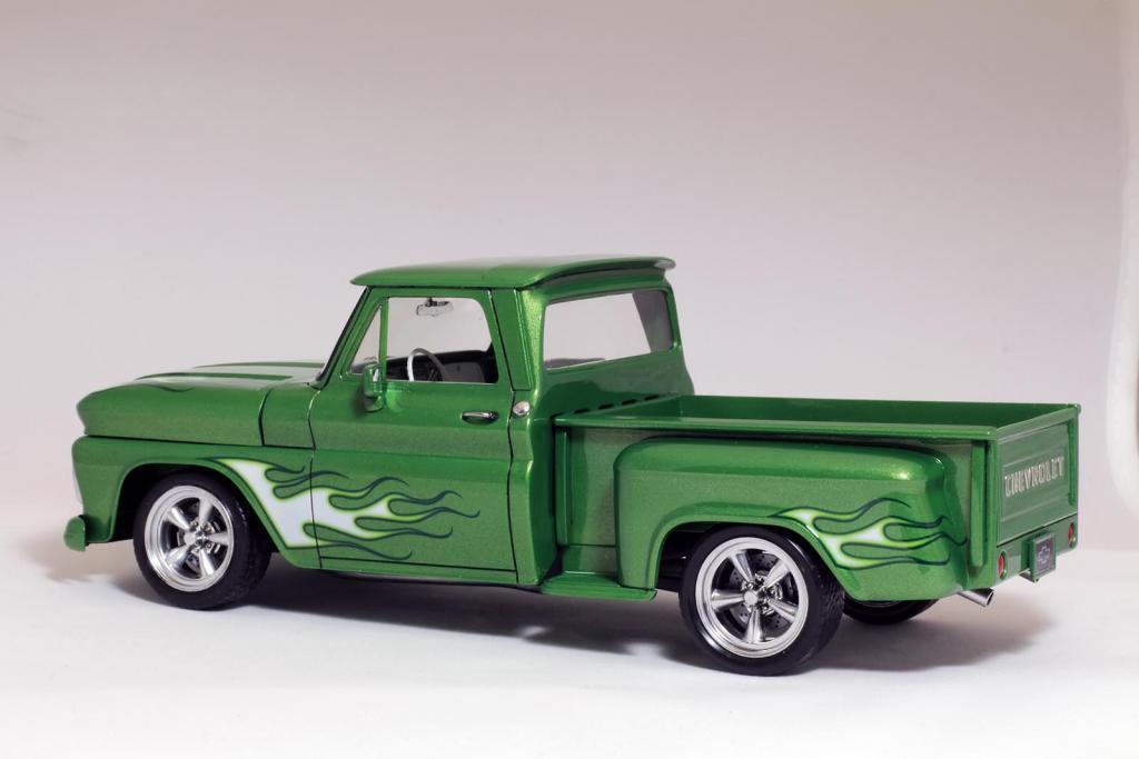 Custom Chevy Stepside 1965 (Revell)