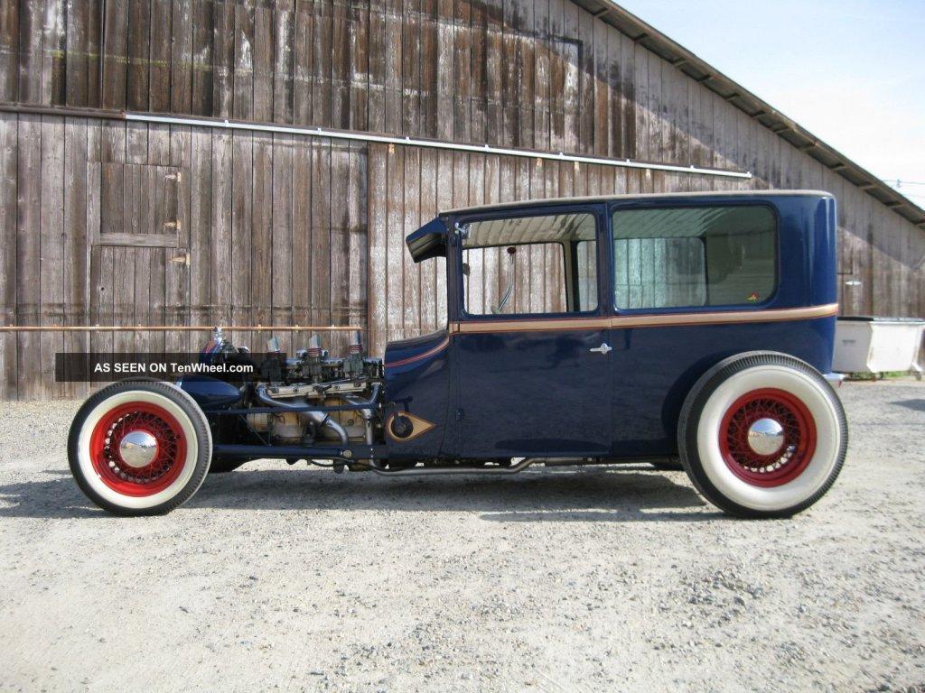 1926_ford_tudor_sedan_traditional_hot_rod_1_lgw.jpg