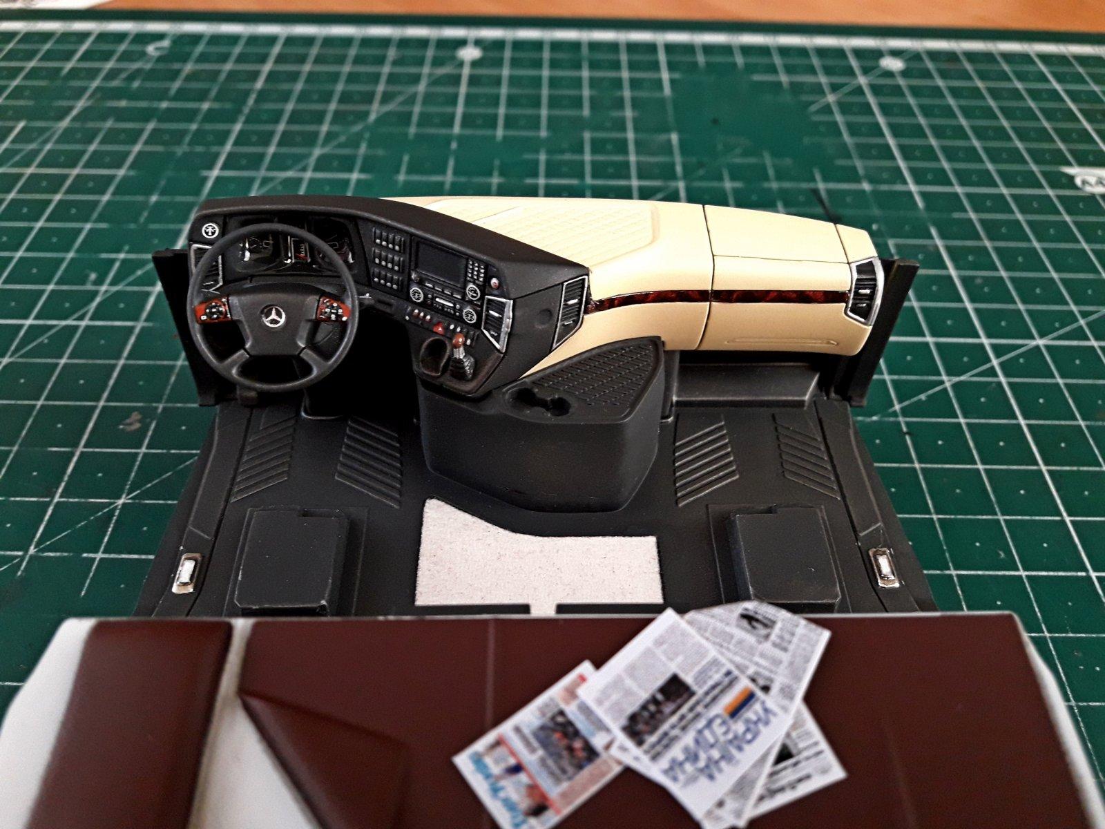 Italeri 1/24 Mercedes Benz Actros MP4