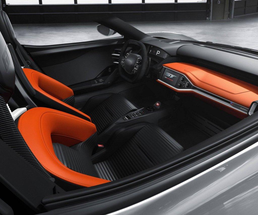 2017-Ford-GT-interior-color-3.jpg