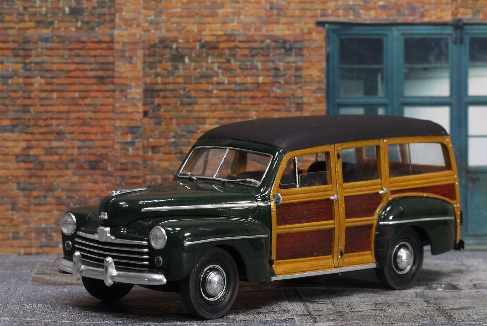 Ford Woody 1948 Revell 1/25