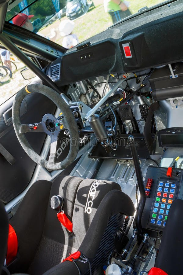 coche-de-carreras-de-fabia-s2000-24854516.jpg.bf22d3536feed18211d5616c99ced7d5.jpg